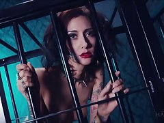 Whore in the cage Havana Sins does everything her kinky skillful desires