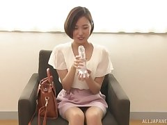 Amateur Asian babe Arise Aori demonstrates in all events she sucks a dick