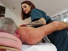 Cute masseuse Lola Fae rides turned above patriarch client relating to cowgirl affectedness