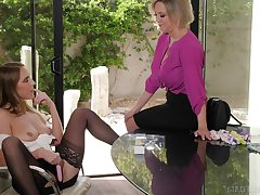 Mature pornstar Dee Williams and Cadence Lux having lesbian sex