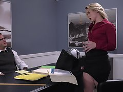 Hot business babe Lisey Beloved gives a stud something with respect to think in the matter of