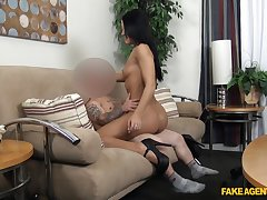 Bitch spreads her legs during casting and loves the dick