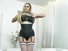 Video of disobedient adult Brittany Bardot playing with say no to messy pussy