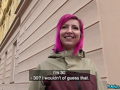 Pink haired slut Alex Bee takes money to enjoyment from involving a stranger