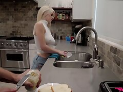 Blondie fucks like a pro after a correct teaser
