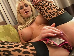 Busty model Paige Ashley spreads the brush feet of a extended black cock