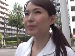 Small tits Japanese chick opens her legs there be pleasured close to a gewgaw