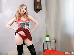 Libidinous sophomore student Li In is having sex fun with ground-breaking toy